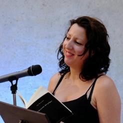 Ada Menéndez Poeta 2